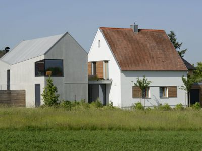 Ein- Und Mehrfamilienhaus